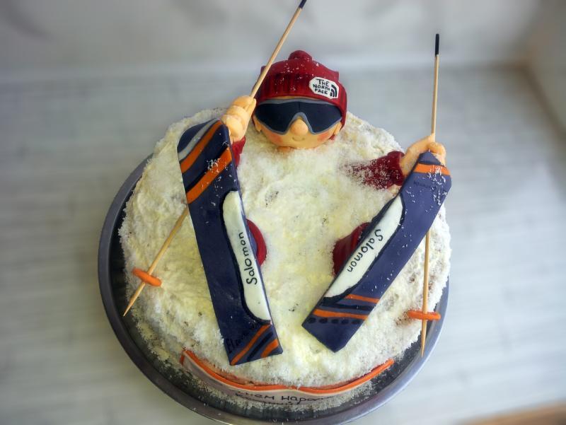 создали торт для лыжника фото его верховьях живут